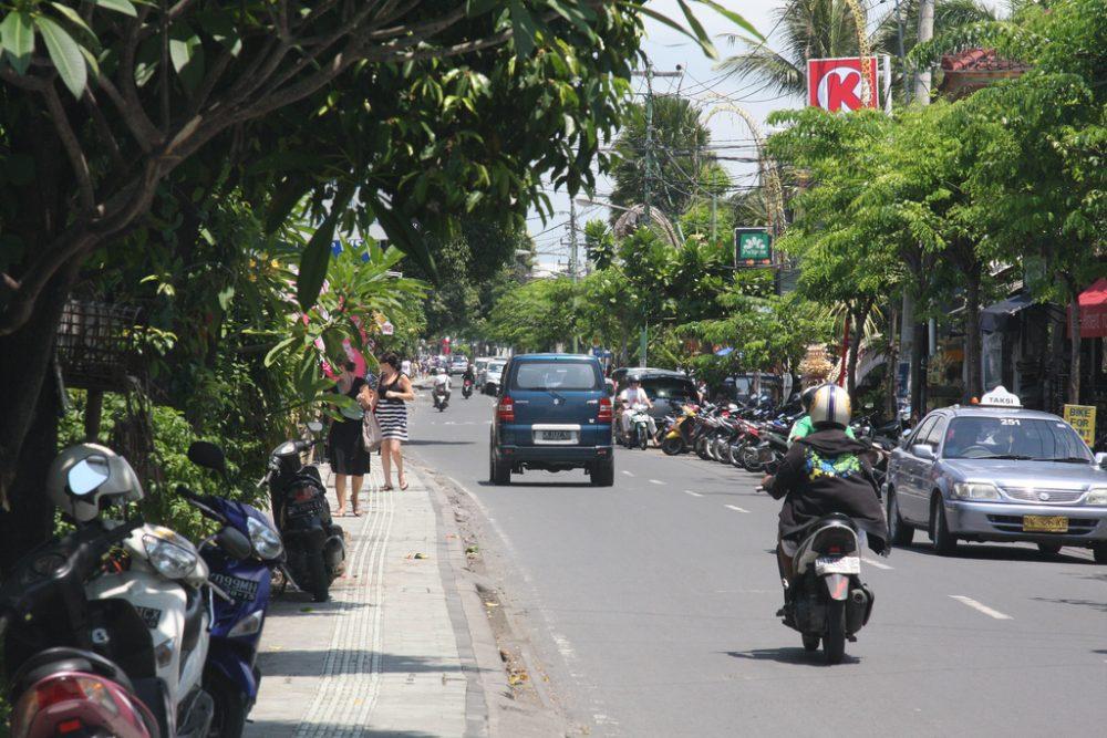 Jalan Raya is the main shopping street in Seminyak. https://www.flickr.com/photos/travelfishery/5374698441/in/photolist-9bWJAv-ccA72w-6YCVCd-shLphJ-DXmVqc-dNEWtw-rjHgn7-bVdR5P-a39jmy-oiAnoM-71KoK1-3H6UUA-nwwmK-4Y7r2h-bGGB1e-8LBWgs-cJHv7d-Vwg9ko-VBjbiC-oo5drM-5oSq2c-dHM3D1-6qwLb7-MChtCL-TnkRXh-W4vWAE-29UFafX-bGRhat-D9d5GF-W7g44H-6s8W76-iU2Fjs-dcanyL-8rEeWR-X8rqNX-eGHyuR-X5yNc3-cpGPTW-cpGTgW-8Lkj1R-MKZHQ-a39eeJ-Dx7C1T-8Maz3V-5MFtFH-wuHZP-wuJaY-4U5vH1-6UY8s5-6qsLMp
