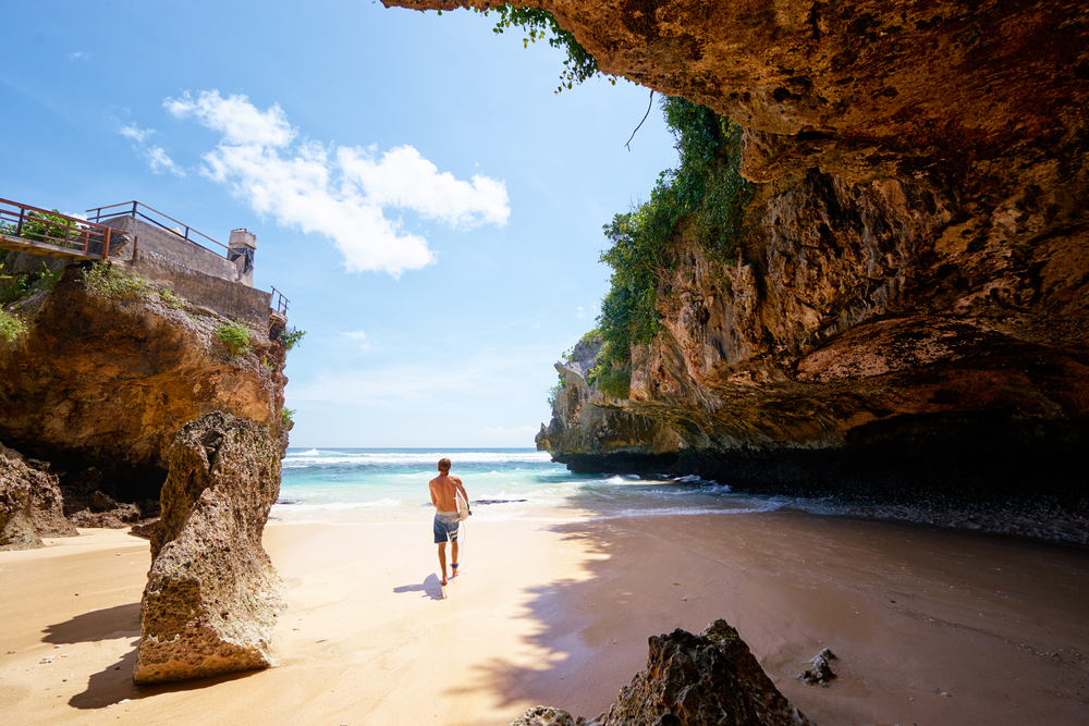 The weather in Uluwatu is sunniest between the dry season months of May - September.