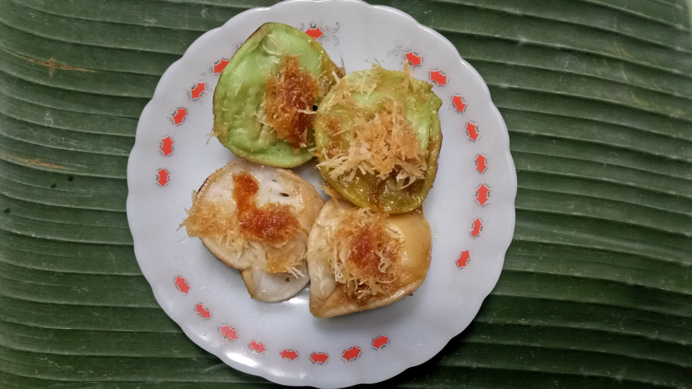 These little green cakes are an Indonesian favourite.