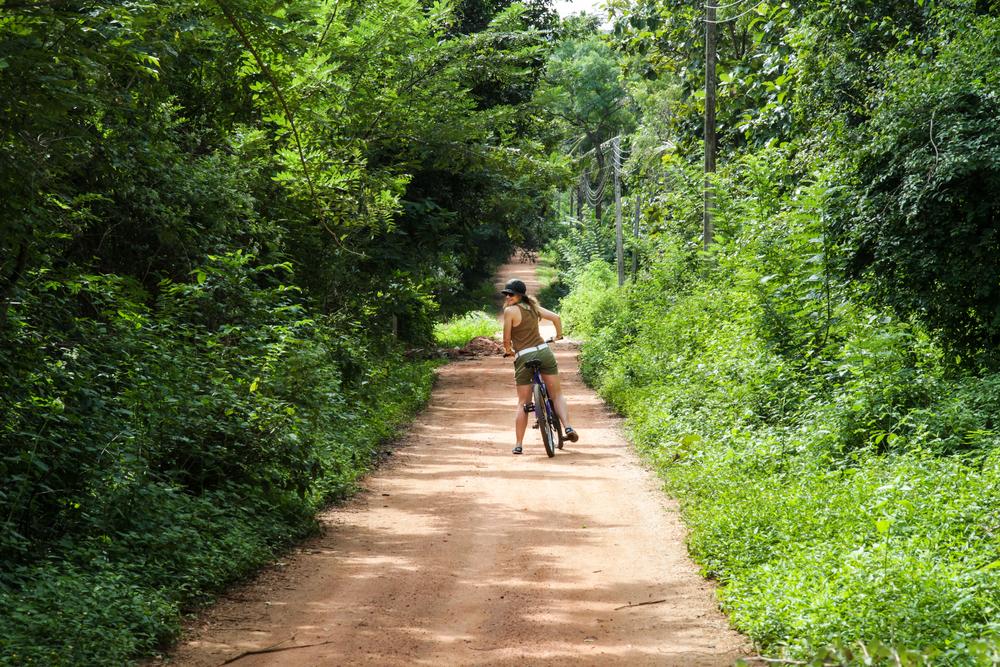 Take cycling trip through the countryside around Bentota.